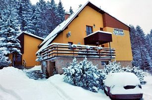 Beskydy v zimě v rodinném penzionu se saunou, polopenzí i slevou na skipas