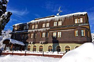 Špindlerův Mlýn v Alpském hotelu s neomezeným wellness i polopenzí pouhých 5 minut od skiareálu