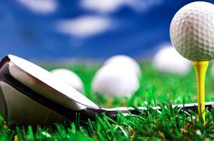 Lekce základů golfu pod dohledem zkušené trenérky