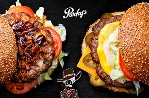 Burger s farmářským hovězím a nápoj z Parky´s
