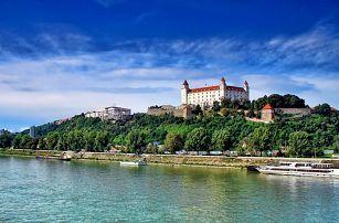 Bratislava s výhledem na Malé Karpaty ve 4* zámeckém boutique hotelu se snídaní/polopenzí a bazénem