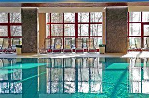 Odpočinková Severní Morava v populárním hotelu u zámku Hradec nad Moravicí s wellness neomezeně, masáží a polopenzí