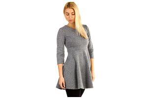 Úpletové zimní šaty áčkového střihu světle šedá