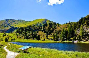 Krajem jezer i hor Rakouska: doprava a polopenze