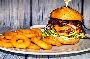 2 výsostné burgery s masem z lokálních chovů