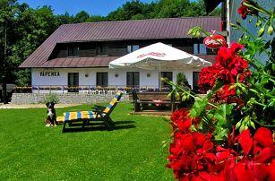 Krkonoše v penzionu v romantickém údolí se vstupem do wellness, polopenzí a přes léto i s půjčením kol