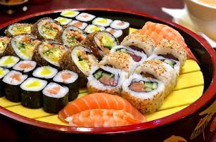 Pestrá asijská hostina: 2 polévky a 36 ks sushi