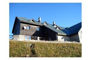 Letní pobyt na chatě Malá Rennerovka. Příjemná atmosféra, domácí prostředí a sauna v ceně pobytu.