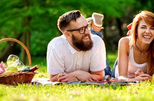 Piknik pod širým nebem: koše plné dobrot