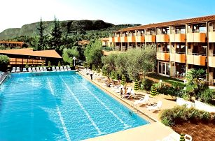 Lago di Garda, Hotel Palme & Suite*** s polopenzí u jezera