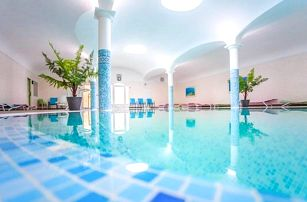Maďarsko v moderním hotelu s lázněmi