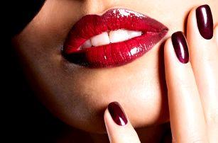 Gelové nehty: na přírodní nehet i na tipy