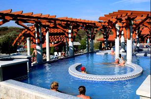 Relaxační pobyt v maďarském městě Eger. Vstup do jedněch ze 4 termálních lázní v ceně