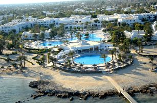 Tunisko - Djerba na 7 až 9 dní, all inclusive s dopravou letecky z Prahy 50 m od pláže