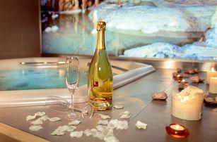 Romantický wellness pobyt v Moravském krasu na 3 dny s polopenzí + vstupenky