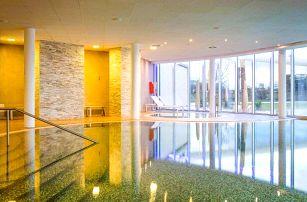 Maďarsko: MJUS World Resort & Thermal Park **** s wellness, lázněmi a polopenzí