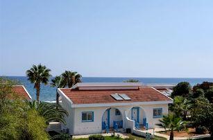 Kypr - Severní Kypr na 8 dní, polopenze s nápoji s dopravou letecky z Prahy přímo na pláži