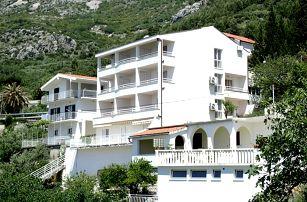 Chorvatsko - Makarská riviéra na 8 až 10 dní, polopenze nebo bez stravy s dopravou autobusem nebo vlastní 150 m od pláže