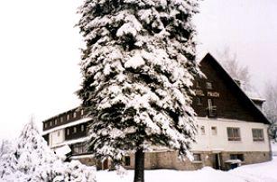 Silvestr na horách? Vydejte se na 4 nebo 5 nocí do hotelu Maxov v Jizerských horách a užijte si vstup do roku 2019.
