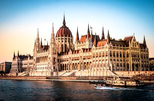Dvoudenní valentýnská Budapešť se snídaní – romantické památky na Dunaji pro dva | 2denní poznávací zájezd do Maďarska