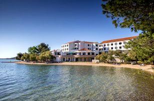 Chorvatsko - Severní Dalmácie na 8 až 10 dní, polopenze nebo bez stravy s dopravou autobusem nebo vlastní 30 m od pláže