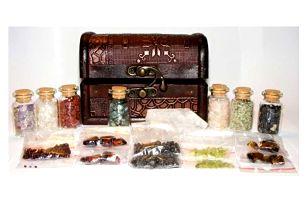 Krásná truhla plná vzácných minerálů včetně poštovného
