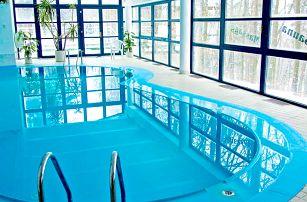 Jižní Čechy: Písek ve 4* hotelu ve tvaru parníku s neomezeným vstupem do bazénu, sauny, fitness a snídaní