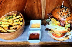 2x hovězí XXL burger a čokoládový fondant