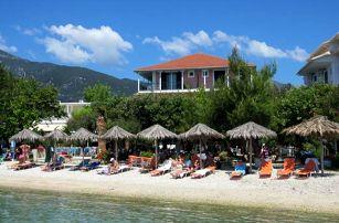 Řecko - Lefkada na 8 dní, polopenze s dopravou letecky z Prahy, přímo na pláži