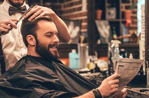 Módní střih či úprava vousů v barbershopu