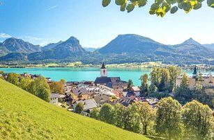 Rakouské Alpy v hotelu přímo na břehu jezera Wolfgangsee s bufetovými snídaněmi