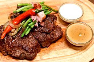 Pořádný hovězí steak Bolar Blade v Maso a Kouř