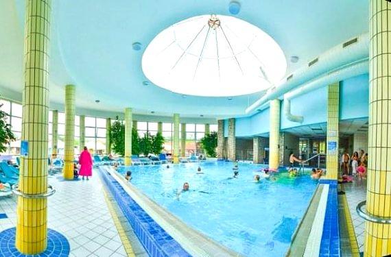 Dunajská Streda: Thermalpark s neomezeným termálním wellness a polopenzí
