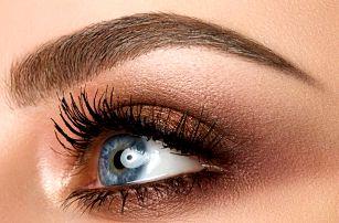 Permanentní make-up obočí vláskováním