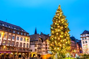 Adventní Salzburg s největším průvodem čertů ve městě Schladming