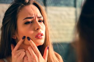 Ošetření proti vráskám a akné přístrojem Face-Up