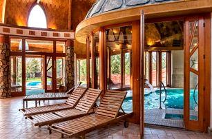 Maďarsko v luxusním Hotelu Piroska **** s neomezeným wellness, vstupem a odvozem do lázní Bükfürdo + polopenze