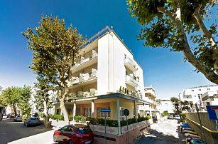 Itálie, Rimini   Hotel Alba***   Plná penze s nápoji   Až dvě děti zdarma   Plážový servis v ceně   Doprava zdarma