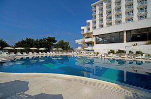 Chorvatsko, Gradac | Hotel Labineca*** | Dítě zdarma | All inclusive | Doprava zdarma