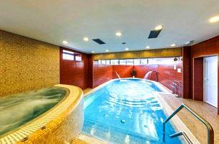 Beskydy: zimní relax v Hotelu Hukvaldy s polopenzí a neomezeným wellness