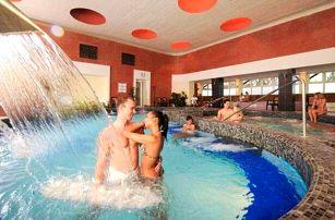Eger v Hotelu Flóra *** propojeném s termálními lázněmi, wellness a polopenzí