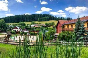 Beskydy i na Silvestra 800 m od skiareálu: Horský hotel Kyčerka *** s polopenzí