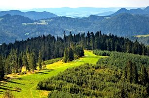 Chatky na Severní Moravě: aktivní pobyt s jídlem