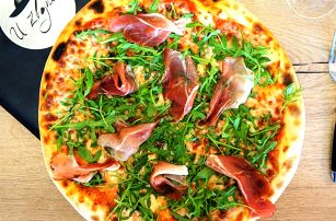 Rozvoz domů: 2 nebo 3 pizzy dle výběru i Radegast
