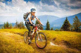 Krušné hory ideální pro cyklisty a turisty v Hotelu Boží Dar - Excalibur *** se vstupem do muzea a polopenzí