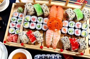 Sety s 24–72 ks sushi, miso polévkou či závitky