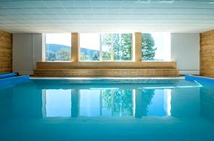Šumava: Kubova Huť poblíž Boubínského pralesa v Hotelu Kristian *** s neomezeným bazénem, vínem a polopenzí