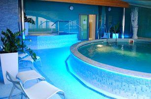 Karlovy Vary: Romantický pobyt v Hotelu Venus **** s bazénem, vířivkou, masáží a snídaní + čtyřchodová večeře