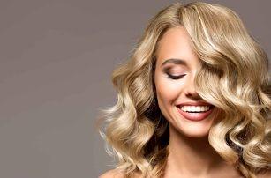 Střih, foukaná a regenerační zábal na vlasy