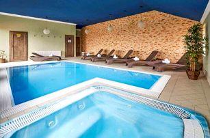 Střední Čechy pod horou Říp v Hotelu Amálka *** se vstupem do infrasauny, slevou a polopenzí